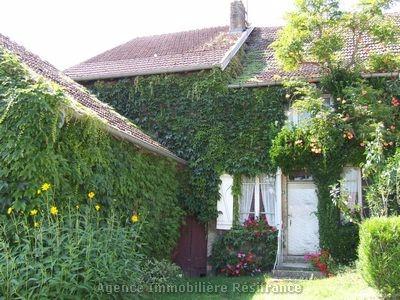 Karakteristieke boerderij met tuin, Haute-Marne, Frankrijk