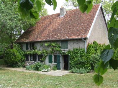 Landhuis met 1,8Ha op idyllische lokatie bij Saone, Haute-Saone, Frankrijk