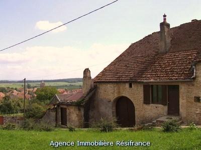 Dorpshuis met kleine tuin en uitzicht, Haute-Saone, Frankrijk