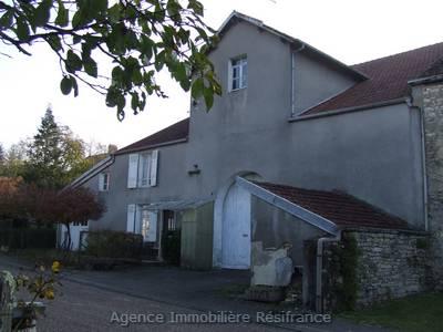 Mooie boerderij met 4 HA terrein, Haute-Saone, Frankrijk