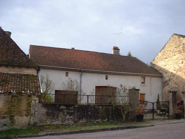 RUIME DORPSBOERDERIJ, Haute Marne, Frankrijk
