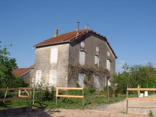 Maison de caractère met mooie tuin, Haute Marne, Frankrijk