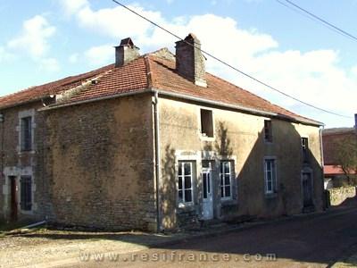 Mooie te renoveren dorpswoning, Haute Marne, Frankrijk