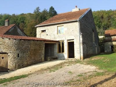 Vrijstaand woonhuis op mooie lokatie, Haute-Marne, Frankrijk