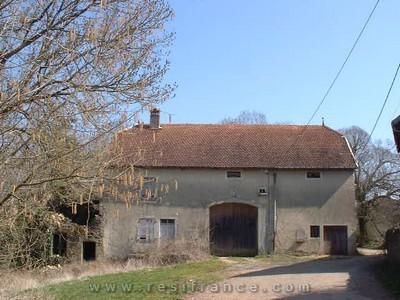 Mooie vrijstaande boerderij met tuin., Haute-Marne, Frankrijk