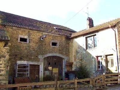 Mooie dorpswoning met schuur en uitzicht, Haute Saone, Frankrijk