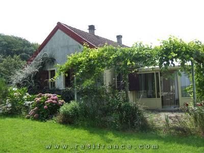 Vrijstaande woning met uitzicht en mooie tuin, Haute-Saone, Frankrijk