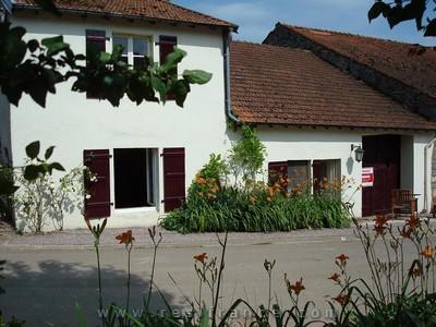 Gerenoveerde dorpswoning met dependance, Haute-Saone, Frankrijk