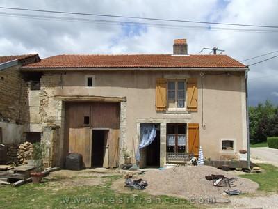 Dorpsboerderij met ruime tuin, Haute-Marne, Frankrijk