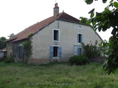Grote vrijstaande boerderij met ruime tuin, Haute-Saone, Frankrijk
