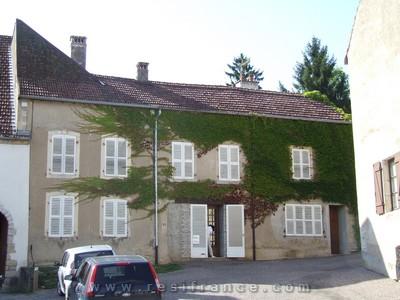 Maison de caractère met mooie tuin, Haute-Saone, Frankrijk