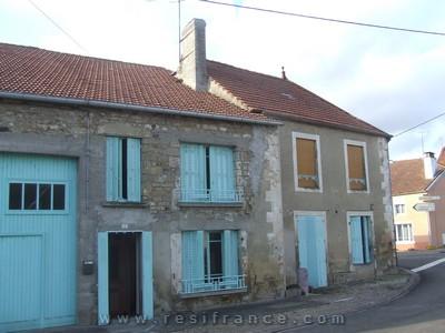 Twee woningen met schuur en grote tuin, Haute-Marne, Frankrijk