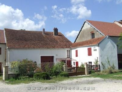 Karakteristieke dorpswoning met tuin, Haute-Marne, Frankrijk