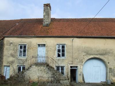 Karakteristieke dorps boerderij, Haute-Saone, Frankrijk