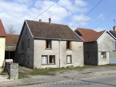 Dorpshuis met dépendances, Haute-Marne, Frankrijk