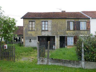Halfvrijstaand dorpshuis in rustig dorpje, Haute-Marne, Frankrijk