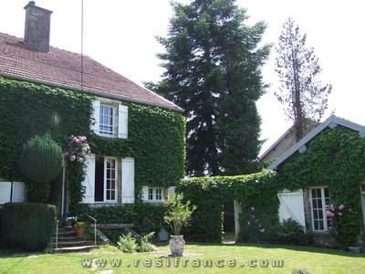 Maison de Caractère met mooie tuin en uizicht, Haute-Marne, Frankrijk