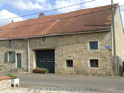 Groot natuurstenen dorpshuis, Haute-Saone, Frankrijk