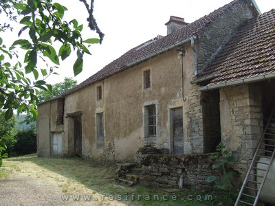 Charmante vrijstaande boerderij met tuin, Haute-Saone, Frankrijk