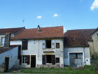 Monumentaal huis in Pitoresk dorpje, Haute-Marne, Frankrijk