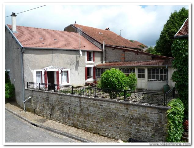 Leuke dorpswoning en dépendance met prachtig uitzicht, Haute-Marne, Frankrijk