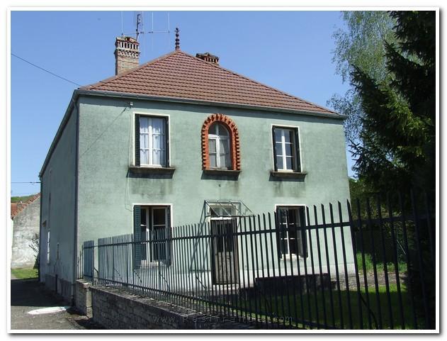 Mooi vrijstaand Maison de Caractère met grote tuin, Haute-Saone, Frankrijk