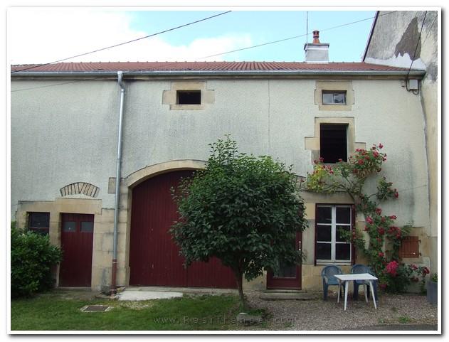 Charmante dorpswoning met besloten tuin, Haute-Saone, Frankrijk