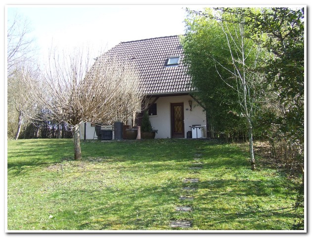 Vrijstaand woonhuis met mooie parkachtige tuin, Haute-Marne, Frankrijk