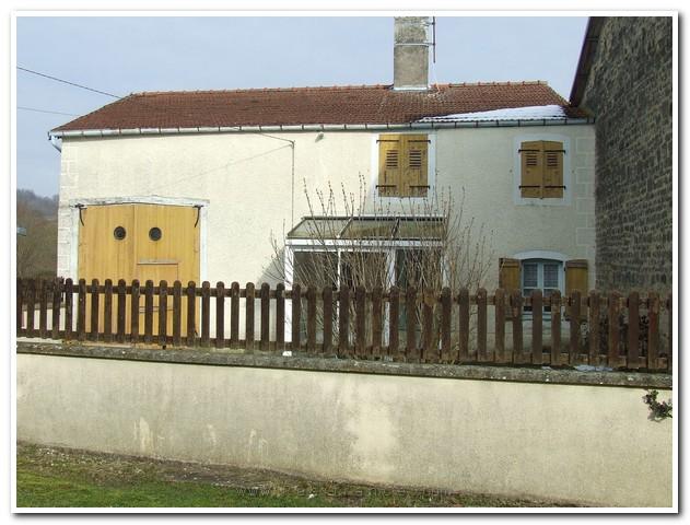 Rustig gelegen dorpsboerderij met zeer mooi uitzicht, Haute-Marne, Frankrijk