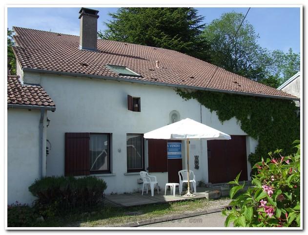 Rustig gelegen dorpswoning met leuke tuin, Haute-Marne, Frankrijk