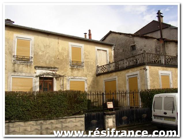 Te renoveren Dorpshuis met mooie tuin, Haute-Marne, Frankrijk