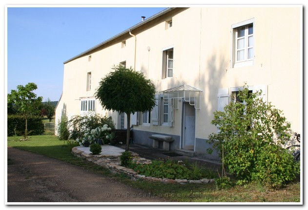 Vrijstaand woonhuis met ruime tuin en uitzicht, Haute-Marne, Frankrijk