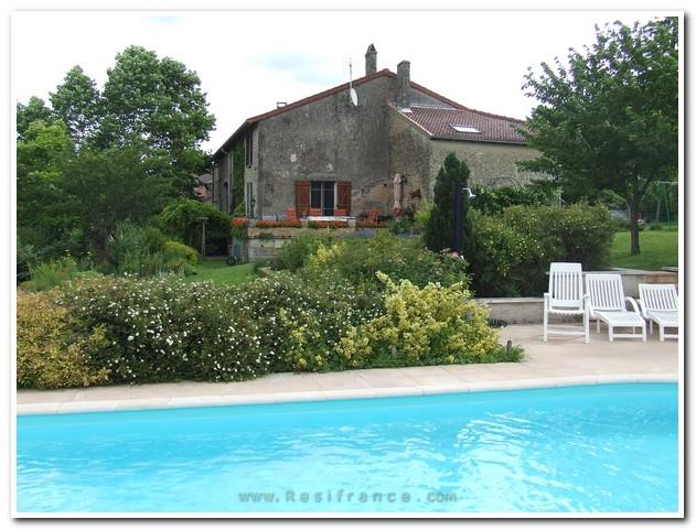 Stijlvol gerenoveerde fermette met zwembad en uitzicht, Haute-Marne, Frankrijk