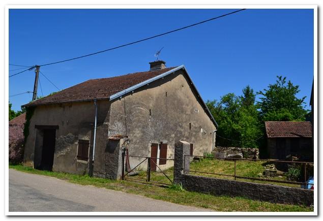 Vrijstaande dorpswoning met mooie tuin, Haute-Saone, Frankrijk
