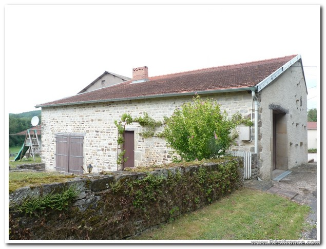 Vakantiehuis met comfort en leuke tuin., Haute-Marne, Frankrijk