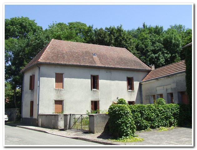 Maison de caractère met mooie cour en achtertuin, Haute-Marne, Frankrijk