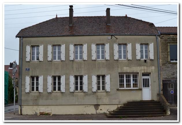 Stijlvol te renoveren pand met tuin, Haute-Marne, Frankrijk
