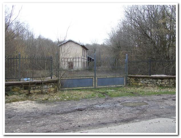 Oud stationsgebouw midden in het bos met waterput!, Haute-Saone, Frankrijk