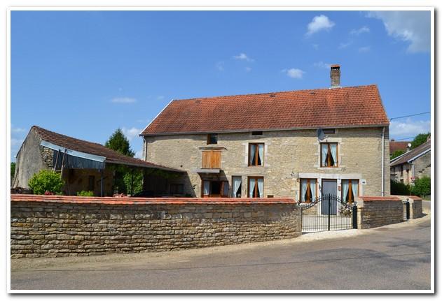 Prachtige natuurstenen dorpsboerderij, Haute-Saone, Frankrijk