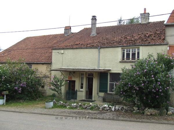 Dubbele dorpsboerderij met tuin en uitzicht, Haute-Marne, Frankrijk