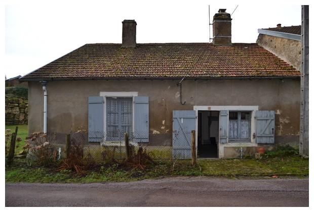 Vrijstaande dorpswoning op rustige lokatie, Haute-Marne, Frankrijk