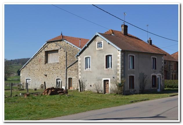 Charmant woonboerderij met terrein en uitzicht, Haute-Saone, Frankrijk