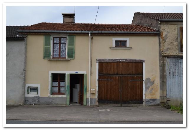 Karakteristieke dorpswoning nabij Bourbonne les Bains, Haute-Marne, Frankrijk