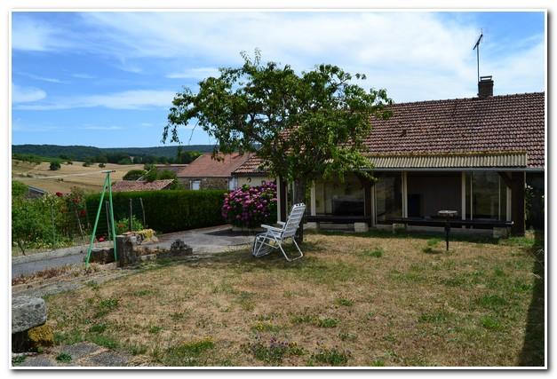 Charmant vrijstaand huis met prachtig uitzicht, Haute-Marne, Frankrijk