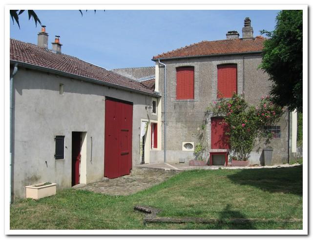 Mooi gelegen woonboerderij met schitterend uitzicht, Haute-Marne, Frankrijk