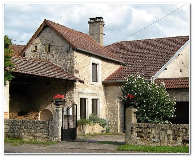 Vrijstaande dorpswoning met tuin en uitzicht, Haute-Saone, Frankrijk