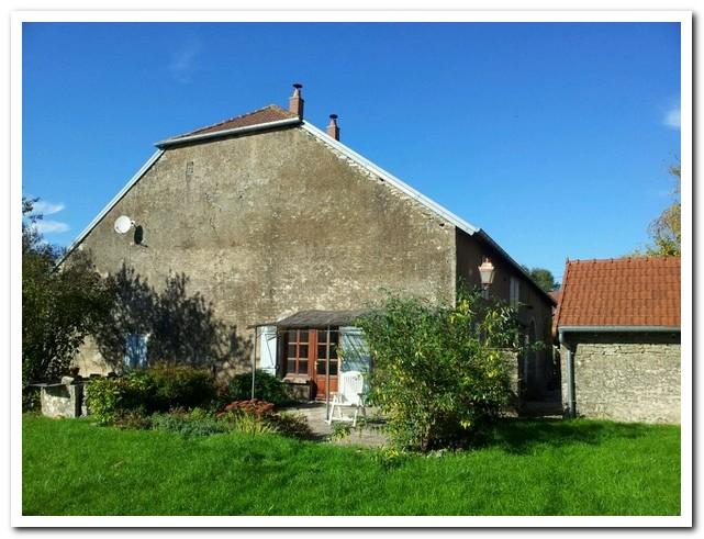 Charmante boerderij met dépendances, uitzicht èn 1,17 Ha terrein, Haute-Saone, Frankrijk