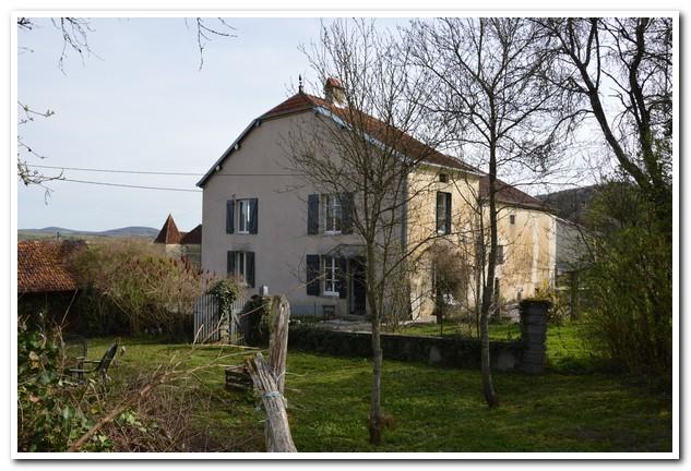 Vrijstaande dorpswoning met mooie tuin en uitzicht, Haute-Saone, Frankrijk
