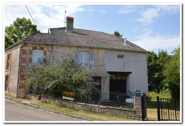 Vrijstaand woonhuis met mooie tuin en uitzicht, Haute-Marne, Frankrijk