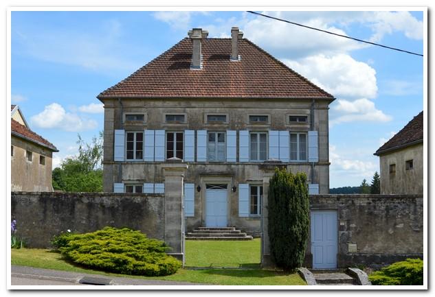 Prachtige pastorie met bijgebouwen, Haute-Saone, Frankrijk